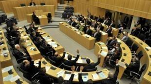 塞浦路斯國會2013年3月19日以壓倒性多數否決課徵存款稅