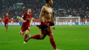 Roberto Firmino, servi par Sadio Mané, a inscrit le but du sacre de Liverpool en Coupe du monde des clubs 2019.