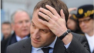 """Emmanuel Macron é criticado pela oposição de esquerda de ser o """"presidente dos ricos""""."""