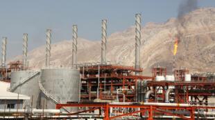Le complexe d'exploitation du gisement de gaz iranien de South Pars.
