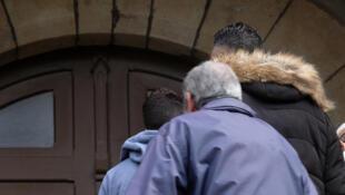 ВТребе жители города пришли светвями лавра иоливы вцерковьСент-Этьен, где проходила месса в память о погибших