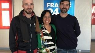 O grupo Bel Air de Forró com Yann Lecorre, acordeonista, Mariana Caetano, vocalista e Marcelo Costa, percussionista.