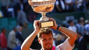 Stanislas Wawrinka venceu o Torneio internacional de Ténis Roland-Garros 2015, frente a Djokovic.
