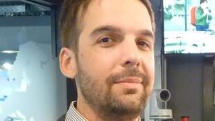 Maximiliano Bertea en los estudios de RFI