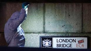 В результате теракта в Лондоне погибли два человека