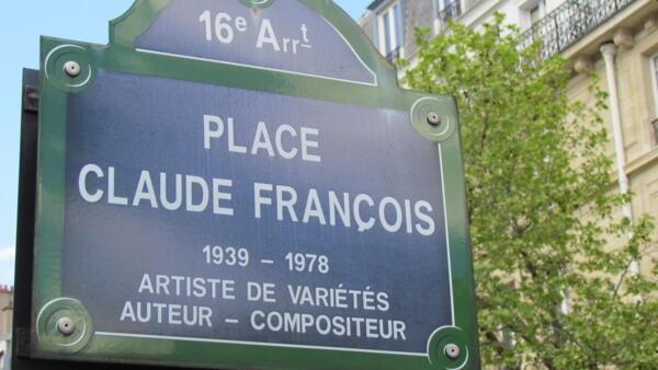 Place Claude François à Paris