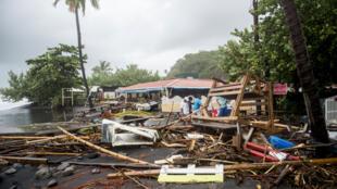 Destroços duma restaurante na Martinica, depois da passagem do ciclone Maria, a 19 de Setembro de 2017