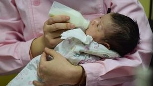Ảnh minh họa: Một trẻ sơ sinh tại bệnh viện tỉnh Phụ Dương (Fuyang) Trung Quốc ngày 19/01/2019.