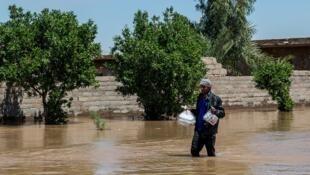 احتمال ابتلا به انواع بیماریها در خوزستان بر اثر سیل افزایش یافته است