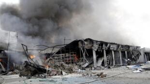Bombardeio em Donetsk, Ucrânia, nesta quarta-feira (3).