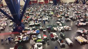 Desabrigados pela tempestade tropical Harvey em Houston, Texas, em 28 de agosto de 2017.