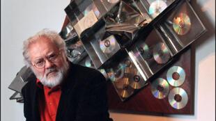 Le Musée de la musique a recrée le studio du musicien Pierre Henry, décédé en 2017 (ici photographié chez lui en 2002).