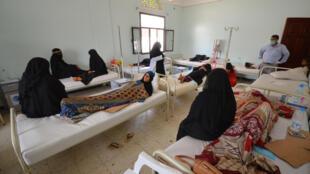 Doentes infectados pelo cólera em um hospital da cidade de Hodeidah, no Iêmen (14/05/2017).