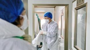 China diz que controlo do surto está na fase mais crucial