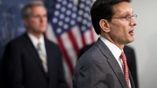 Eric Cantor (direita) encontrou-se com o presidente da Câmara dos Representantes (foto de arquivo).