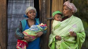Femmes et enfants malgaches (Photo d'illustration).
