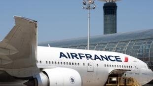Air France exploite habituellement 13 vols hebdomadaires entre Paris et Shanghai et 10 vols hebdomadaires entre Paris et Pékin.