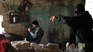 Fighers of the Al-Qaïda-linked group, al-Nosra, which is fighting in Syria