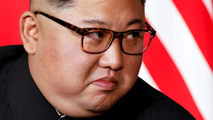 «Политика северокорейского правительства продолжает представлять угрозу национальной безопасности США», - полагает Трамп.