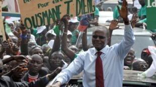 Ousmane Tanor Dieng au QG de son parti, le Parti socialiste sénégalais, en 2012.