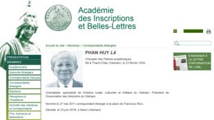Tiểu sử giáo sư Phan Huy Lê trên website của Viện Hàn Lâm Văn Khắc và Văn Chương, thuộc Viện Pháp (Académie des Inscriptions et Belles-Lettres, Institut de France).