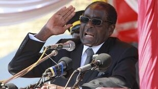 Zimbabwean President Robert Mugabe addresses supporters in Harare