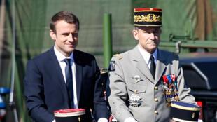 President Emmanuel Macron (L) with General Pierre de Villiers before his resignation