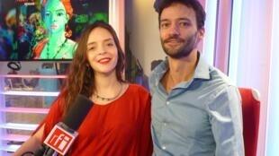 Lucile Chriqui y a Nils Frechilla en los estudios de RFI