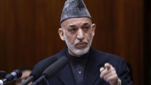 Hamid Karzaï, presidente afegão, confirmou o recebimento de propinas da CIA americana da ordem de dezenas de milhões de dólares.