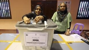 A counting centre in Male, Maldives, 9 November, 2013