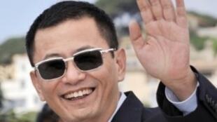 中國導演王家衛10月20日出席盧米埃爾電影獎致敬活動