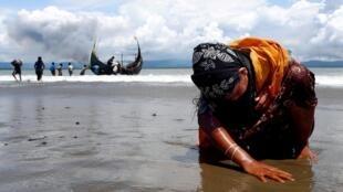 Wata mata yar kabilar  rohingya a Bangladesh