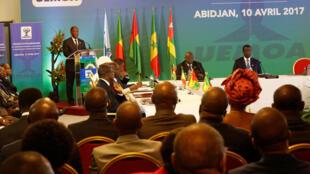 Zauren taron manyan kusoshin kungiyar kasashen Afrika da ke yankin UEMOA masu amfani da takardar kudin cfa a Abidjan.