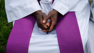 Pour le père Shiundu, «le célibat n'est qu'une règle de vie de l'Église, ce n'est pas un commandant de Dieu».