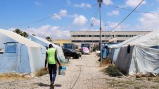 Cтихийный лагерь мигрантов вСан-Фердинандо, 5 июня 2018