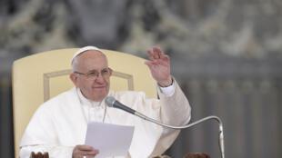 """""""Yo llamo a eso 'colonización ideológica'"""", dijo el papa Francisco."""