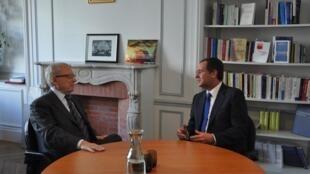 Jacques Delors e António José Seguro no encontro em Paris