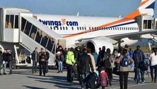 صدها پناهجوی افغان که درخواست پناهندگی آنان در آلمان رد شده بود، از سال ٢٠١۶ تا مارس ٢٠۱٩ با هواپیماهای دربست به کابل بازگردانده شدهاند.