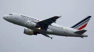 Máy bay Airbus A318 của hàng hàng không Air France. Ảnh minh họa.