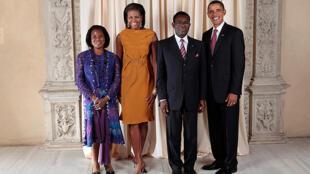 President Barack Obama posing with President Teodoro Obiang Nguema at the White House on 23 September 2009