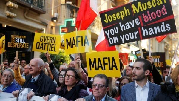 Манифестация на Мальте с требованием полного расследования убийства журналистки Дафны Керуаны Галиции. 1 декабря 2019 г.