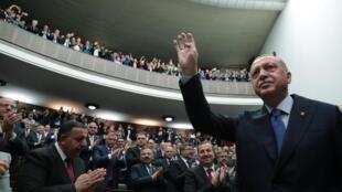 El presidente Erdogan frente a los miembros de su partido (AKP), en Ankara, el 16 de octubre de 2019.