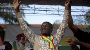 Jose Mario Vaz, candidat à l'élection présidentielle en Guinée-Bissau, lors d'un meeting de campagne le vendredi 11 avril 2014.