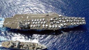 圖為美國尼米茲核動力航母