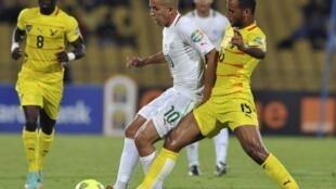 Alaixys Romao (à droite) défend les couleurs du Togo.