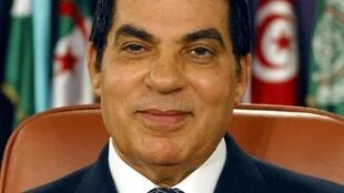 O ex-presidente da Tunísia, Zine El Abidine Ben Ali, fugiu para a Arábia Saudita com a mulher Leila.