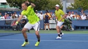 O tenista brasileiro Bruno Soares, avançou às semifinais de duplas.