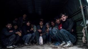 Афганские беженцы, принятые турецкими властями после того, как их выдворили из Греции. Эдирне (Турция), 9 декабря 2018.