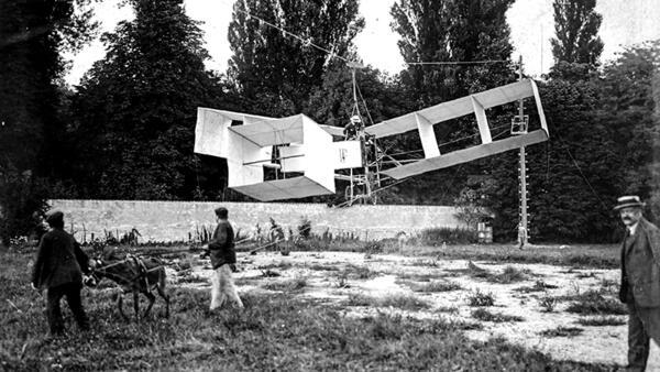 Capítulo 14: O 14-bis, uma estranha máquina voadora