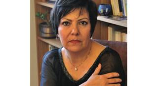 آزاده کیان، استاد جامعه شناسی و رئیس بخش علوم اجتماعی و مرکز مطالعات جنسیتی و فمینیستی دانشگاه پاریس